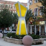 Solar-energy-sun-catcher-sculpture-Florida