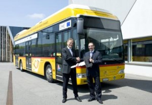 Fuel-cell buses with hybrid technology go into regular service in Switzerland
